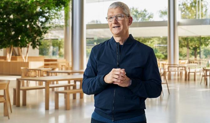 Chez Apple : le directeur évoque la construction de voitures autonomes