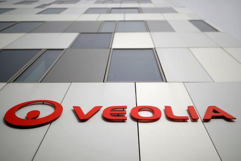 La décision du PDG de Veolia d'informer les syndicats de Suez sur le contenu du marché conclut avec son concurrent